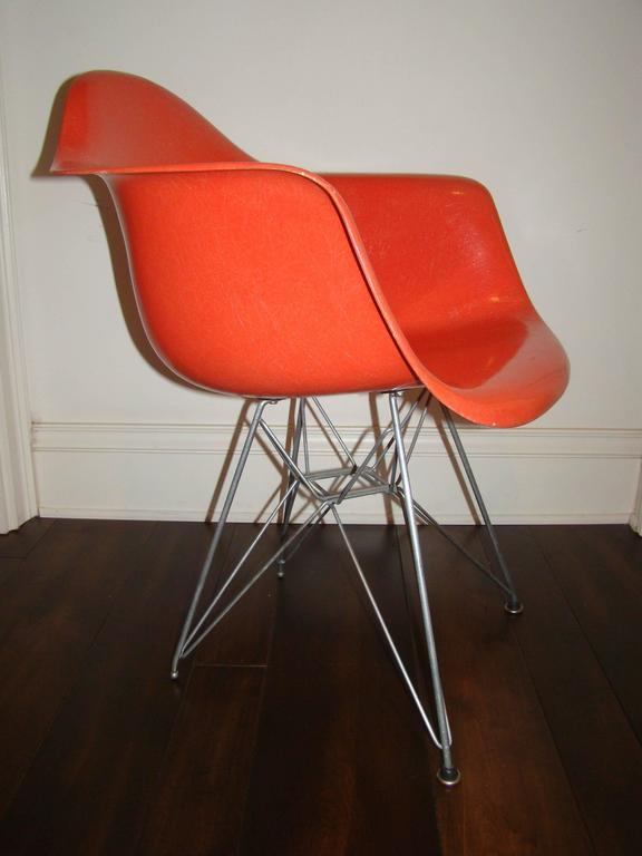 Charles eames herman miller early dar eiffel tower shell chair at 1stdibs - Herman miller bucket chair ...