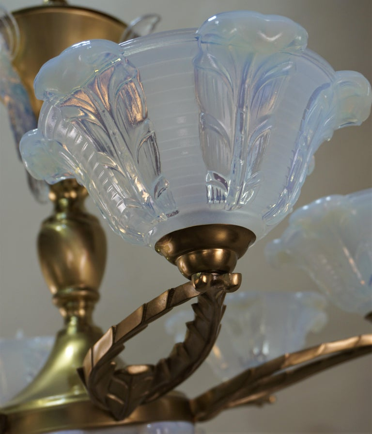 French Art Deco Chandelier with Opalescent Glass Shades by Ezan For Sale 7