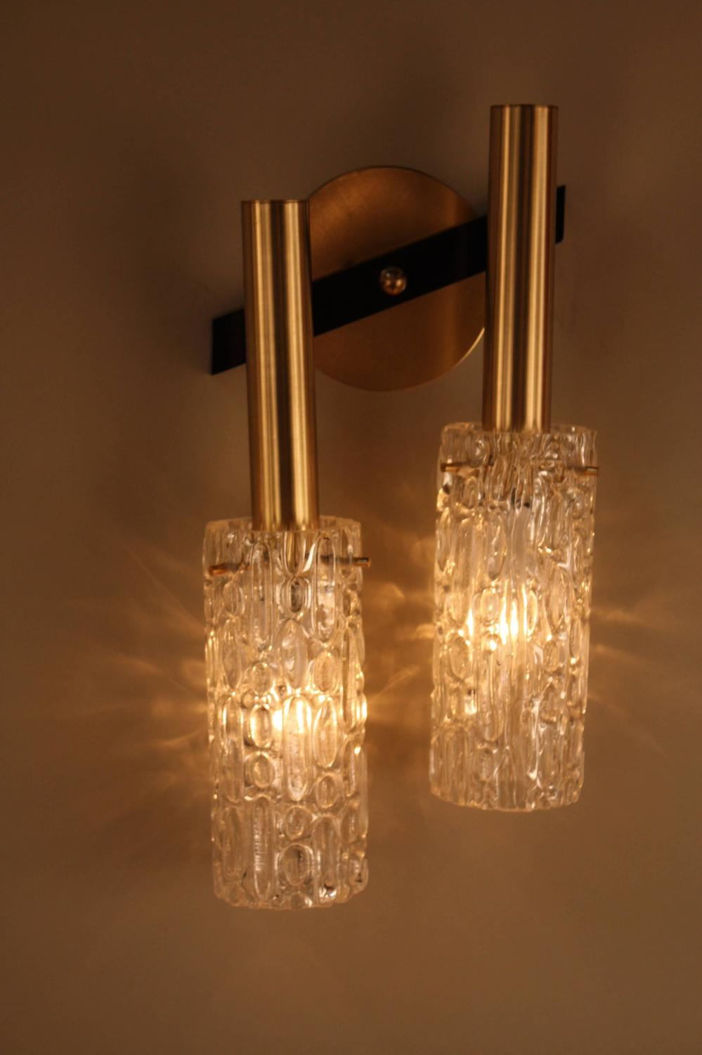 Wall Sconces With Glass : Pair of 1970s Modern Ice Glass Wall Sconces at 1stdibs
