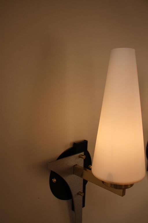 Mid-Century Modern Pair of Mid-Century Wall Sconces For Sale