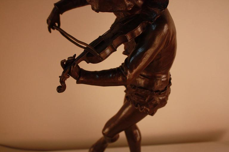 Bronze Sculpture of Harlequin Violinist by Jules Weyns For Sale 4