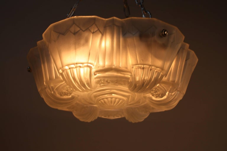 Muller Freres Large French Art Deco Geometric Design Pendant Chandelier In Good Condition For Sale In Fairfax, VA
