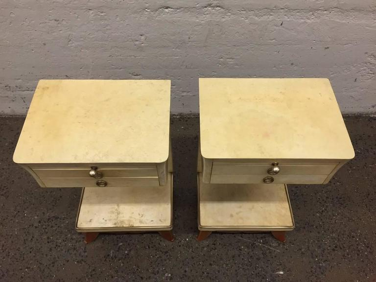 Pair of Parchment Nightstands Manner of Osvaldo Borsani For Sale 1