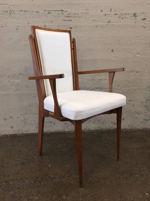 Set of Six Walnut Italian Dining Chairs  In Good Condition For Sale In New York, NY