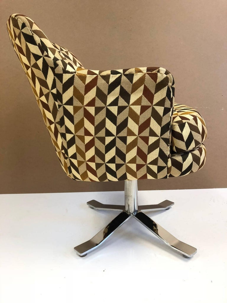 Mid-Century Modern Set of Six Nicos Zographos Swivel Chairs For Sale