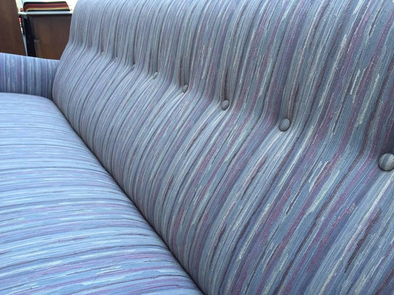 Jens Risom Sofa In Good Condition For Sale In New York, NY