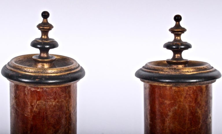 American Early 20th Century Pair of Gilded Crimson Mica Shade Table Lamps  For Sale