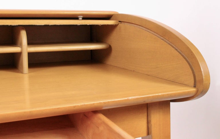 Heywood-Wakefield Streamlined Tambour Desk, 1960s 4