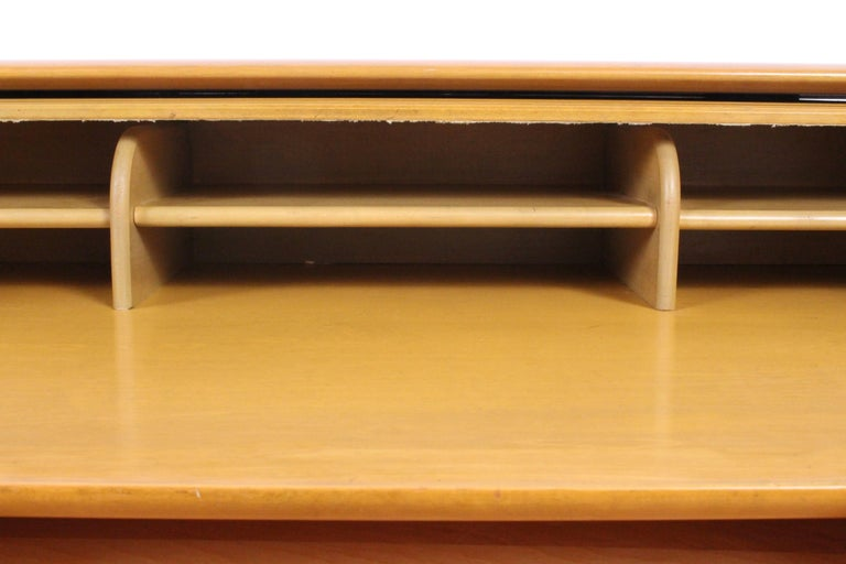 Heywood-Wakefield Streamlined Tambour Desk, 1960s 3