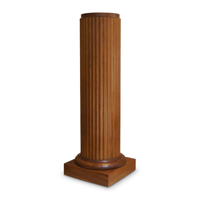 Early 20th century swedish neoclassical pedestal in oak for Fluted pedestal base