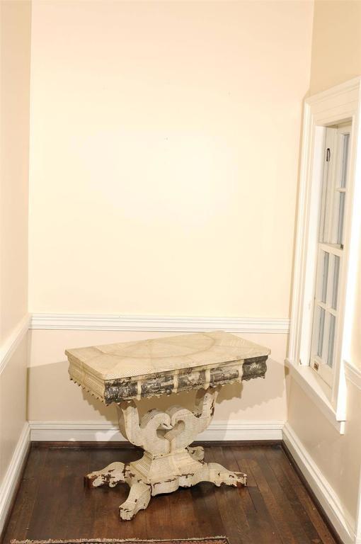 American Empire Decoupage Table In Good Condition For Sale In Atlanta, GA