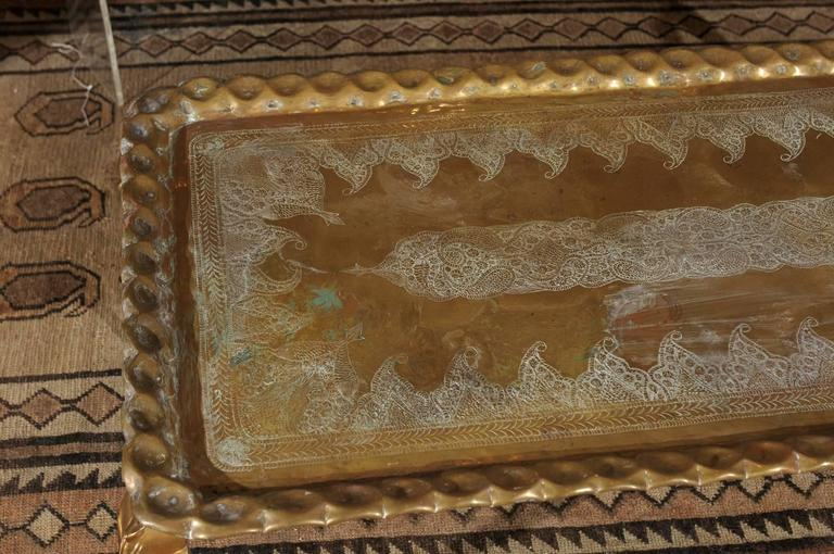 Vintage Etched and Hammered Brass Tray Table In Good Condition For Sale In Atlanta, GA