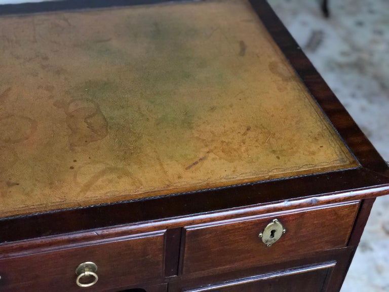 19th Century Regency Kneehole Desk of Mahogany For Sale 2