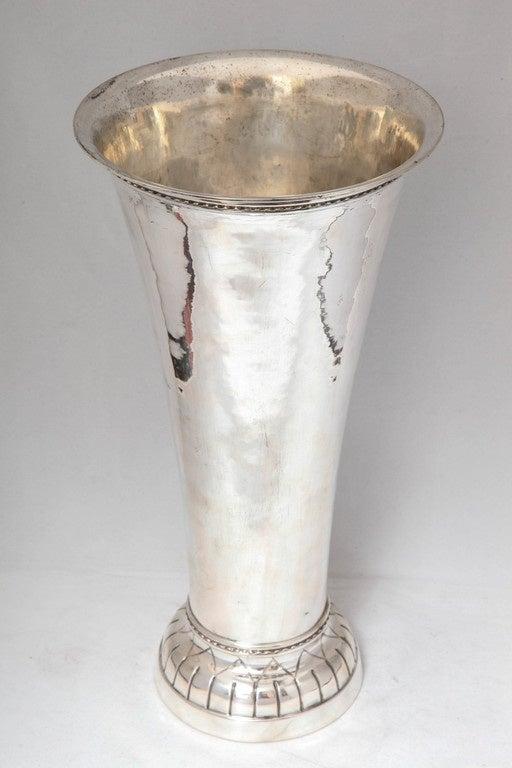 Large, Art Deco, Continental silver (.800) Hanau vase, Germany, circa 1900. Hanau marks. Measures: 14 1/2
