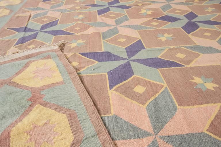 Fantastic Vintage Indian Dhurrie Rug In Excellent Condition For Sale In Norwalk, CT