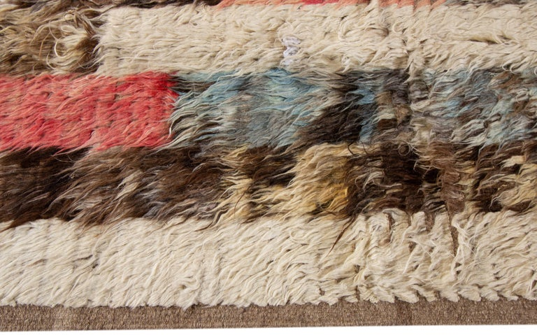 Modern Moroccan-style Rug In New Condition For Sale In Norwalk, CT
