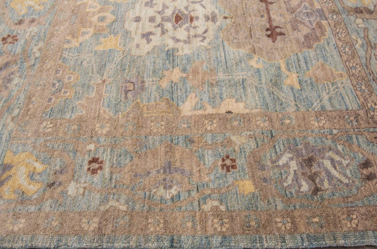 Gorgeously Designed Square Sultanabad Rug In Excellent Condition For Sale In Norwalk, CT