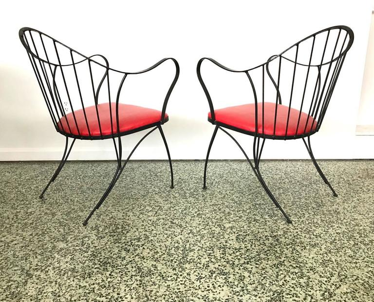 20th Century Pair of Dramatic Woodard Lounge Chairs For Sale