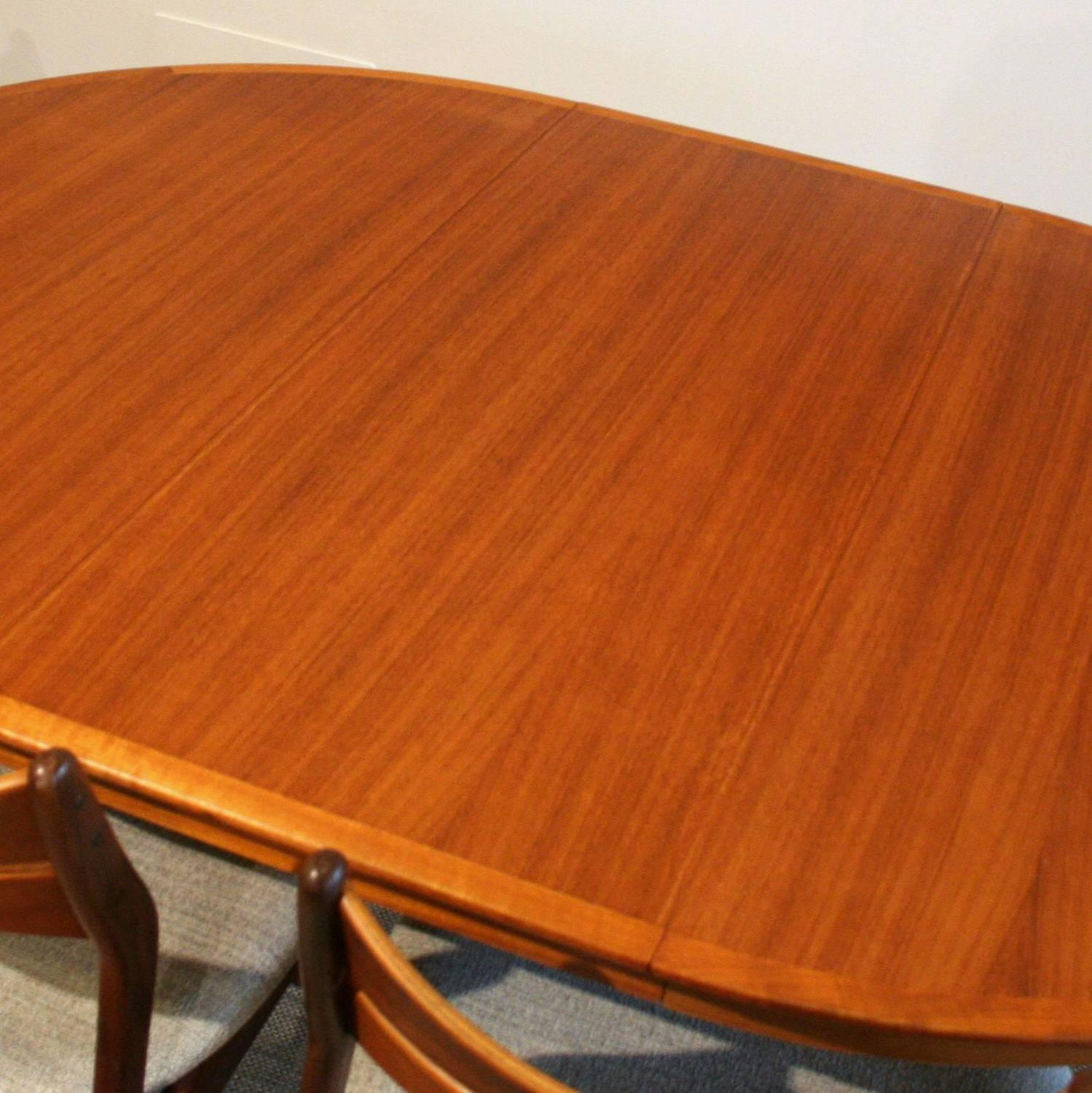 Vintage Danish Teak Round Dining Table at 1stdibs : IMG3566z from www.1stdibs.com size 1499 x 1500 jpeg 185kB