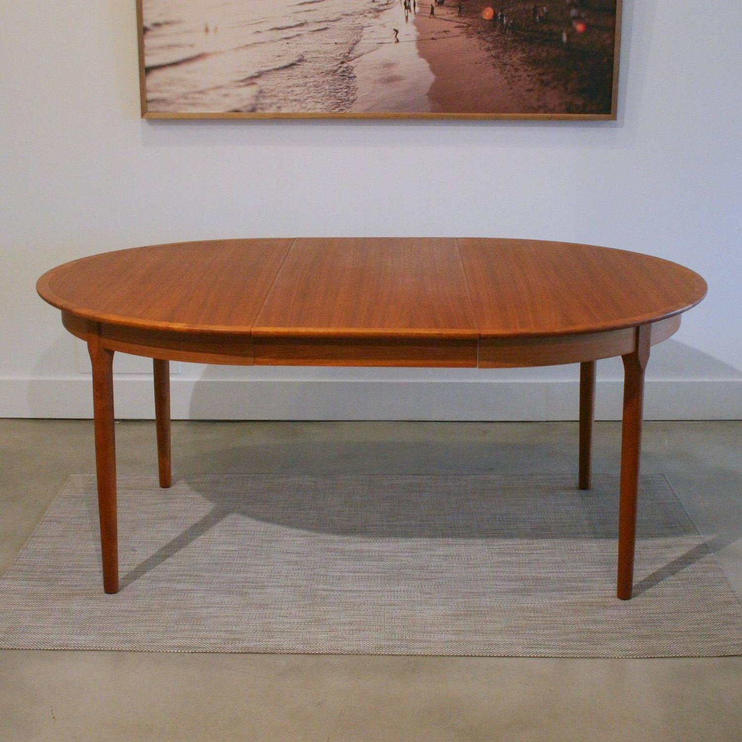 Vintage Danish Teak Round Dining Table at 1stdibs : IMG3557z from www.1stdibs.com size 1500 x 1500 jpeg 203kB
