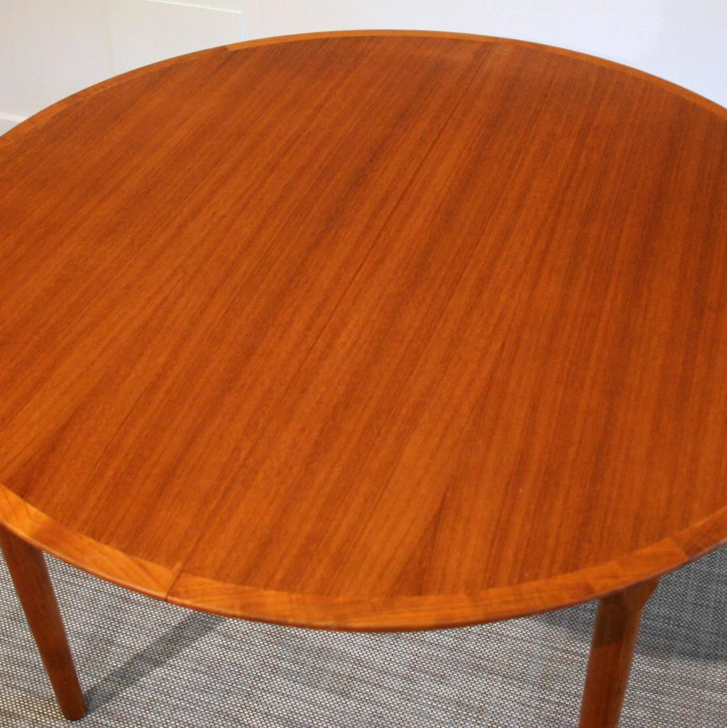 Vintage Danish Teak Round Dining Table at 1stdibs : IMG3551z from www.1stdibs.com size 1499 x 1500 jpeg 246kB