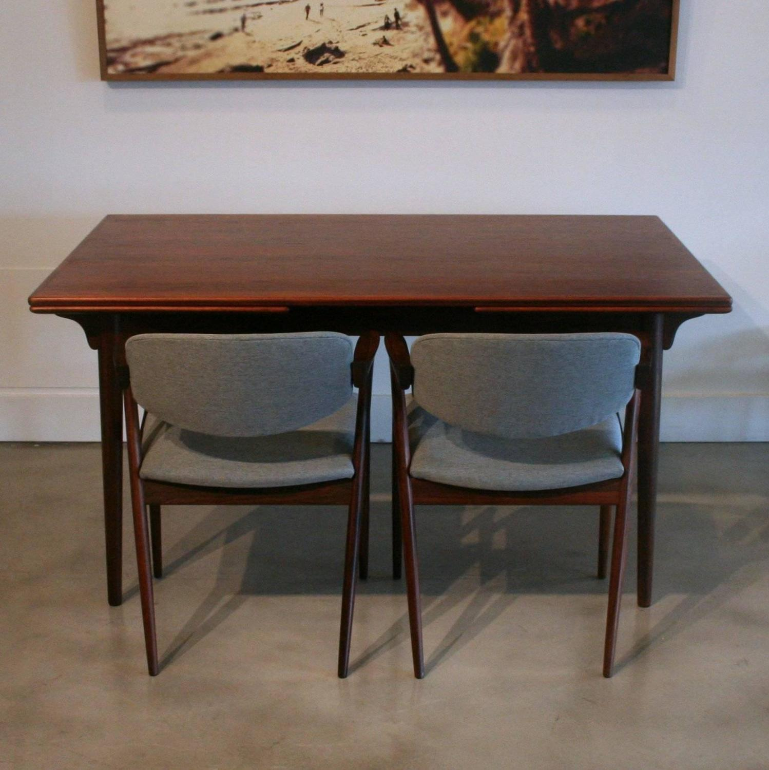Vintage danish rosewood dining table at 1stdibs for Dining room tables vancouver bc
