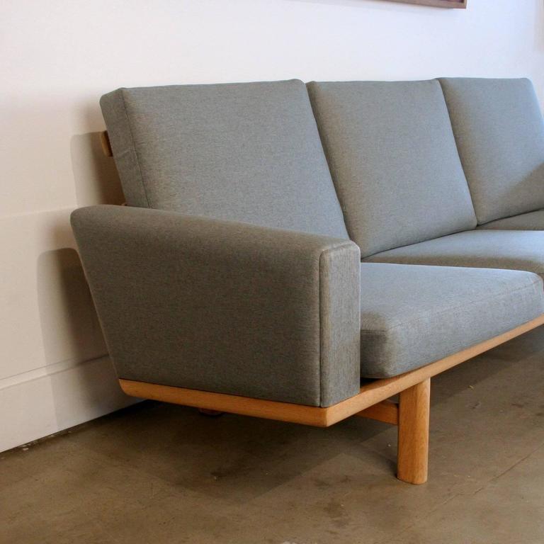 Vintage Danish Oak GE-236 Sofa by Hans Wegner 2
