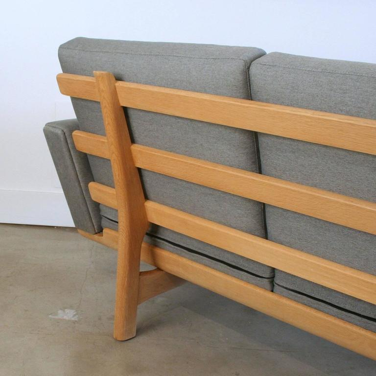 Vintage Danish Oak GE-236 Sofa by Hans Wegner 4