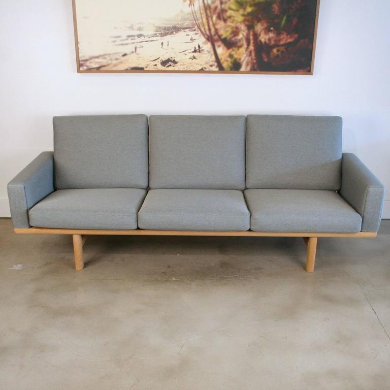 Vintage Danish Oak GE-236 Sofa by Hans Wegner 6