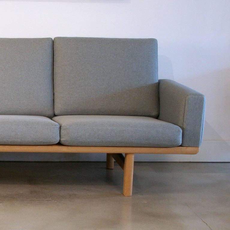 Vintage Danish Oak GE-236 Sofa by Hans Wegner 7