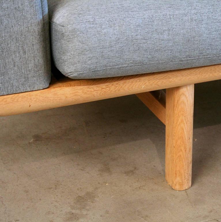 Vintage Danish Oak GE-236 Sofa by Hans Wegner 8