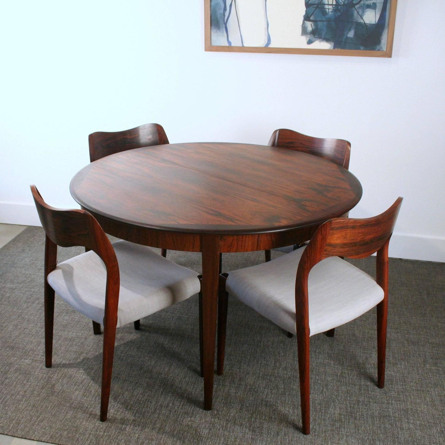 Vintage Danish Rosewood Round Dining Table For Sale at 1stdibs : IMG2488z from www.1stdibs.com size 1499 x 1500 jpeg 215kB
