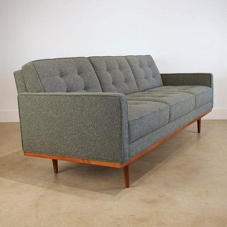 Steven Anthony Sofa Loop Sofa : IMG5690l from looponblue.net size 767 x 768 jpeg 85kB