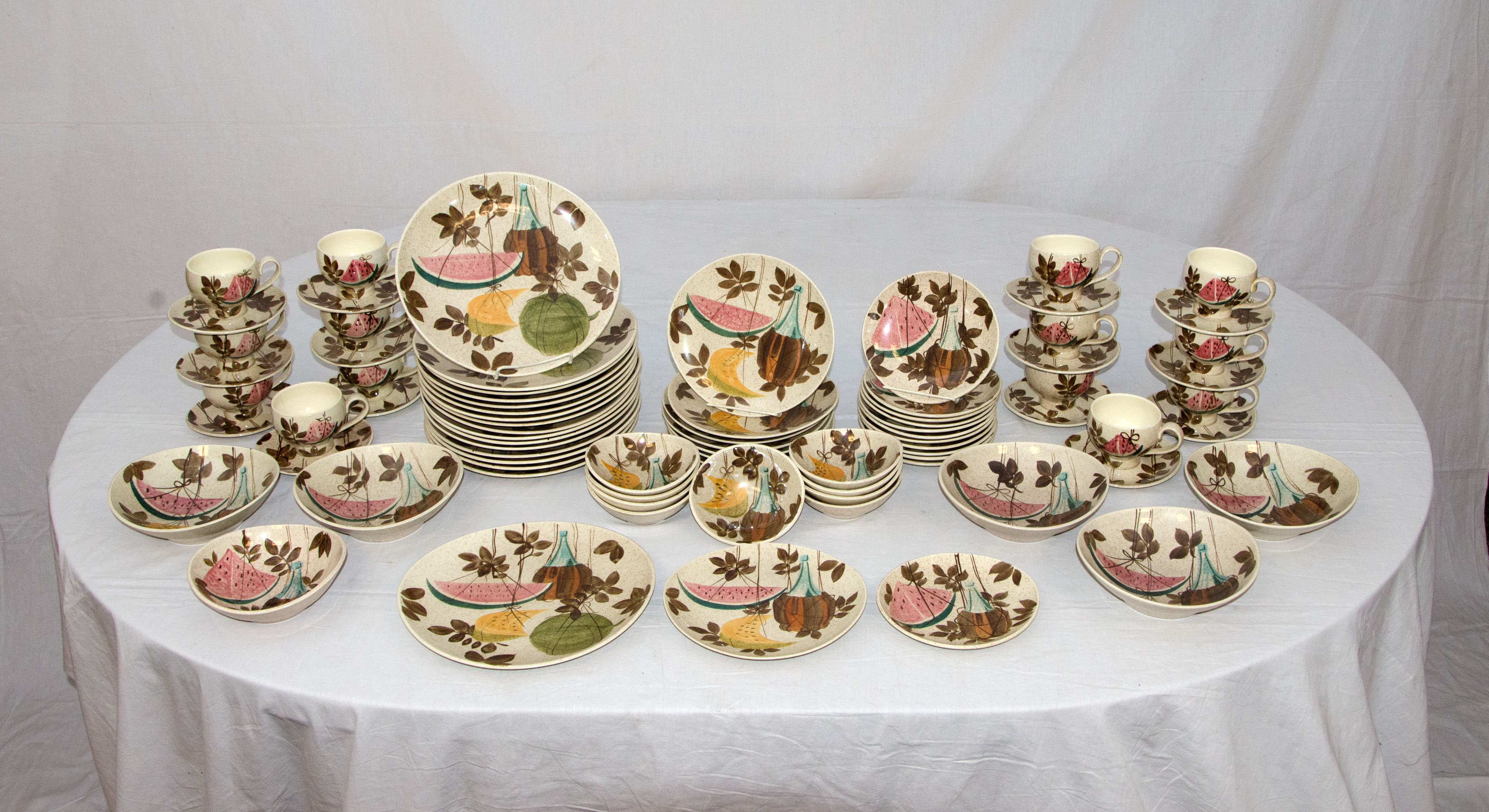 & Large Mid-Century Dinnerware Set Tampico by Red Wing at 1stdibs