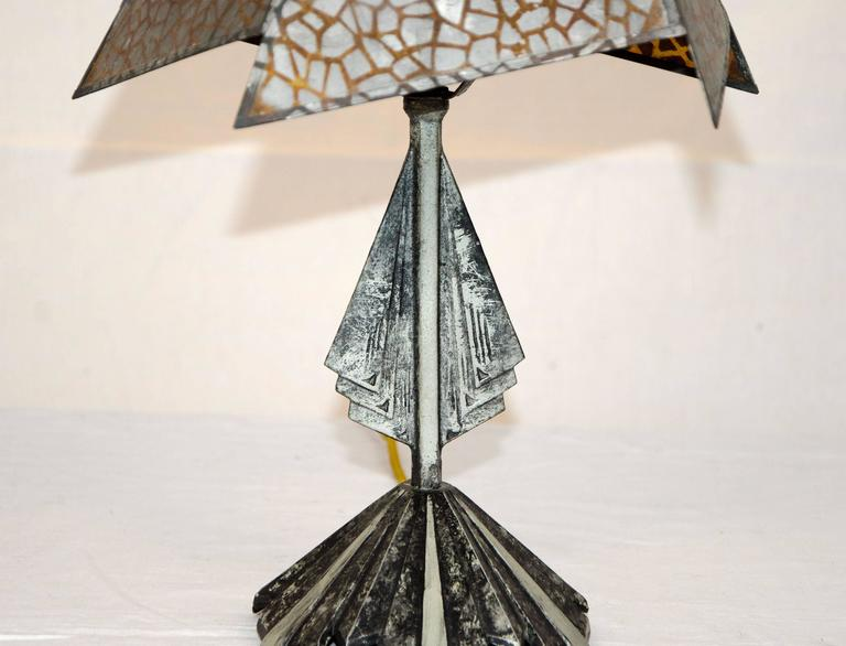 Small Art Deco Accent Lamp, Mica Shade In Good Condition For Sale In Crockett, CA
