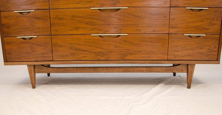 Delightful Kent Coffey Walnut Nine Drawer Dresser, Tableau Series 3