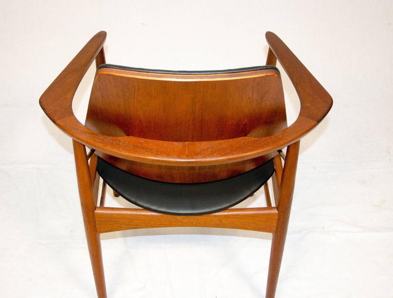 20th Century Set of Four Danish Teak Dining Chairs, Arne Hovmand-Olsen For Sale