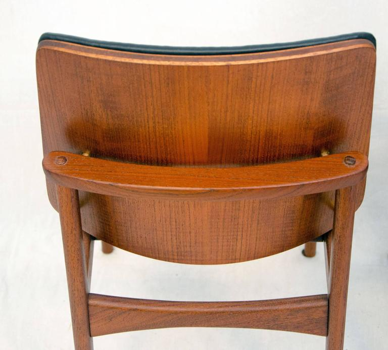 Set of Four Danish Teak Dining Chairs, Arne Hovmand-Olsen For Sale 1