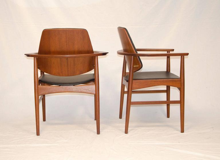 Scandinavian Modern Set of Four Danish Teak Dining Chairs, Arne Hovmand-Olsen For Sale