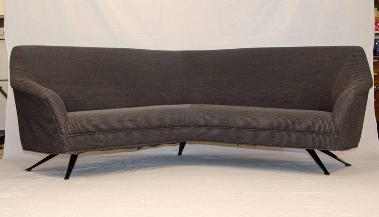 italian curved sofa knoll fabric attributed to gio ponti for sale at 1stdibs. Black Bedroom Furniture Sets. Home Design Ideas