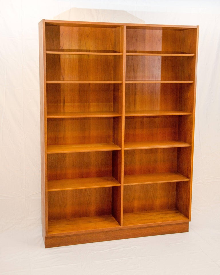 This Ious Danish Teak Bookcase Can Display A Large Collection Of Books Gl Or