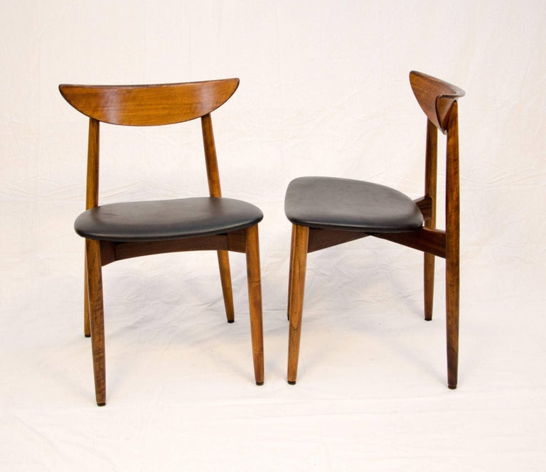 Set of Six Danish Walnut Dining Chairs, Harry Ostergaard, Moreddi In Excellent Condition For Sale In Crockett, CA