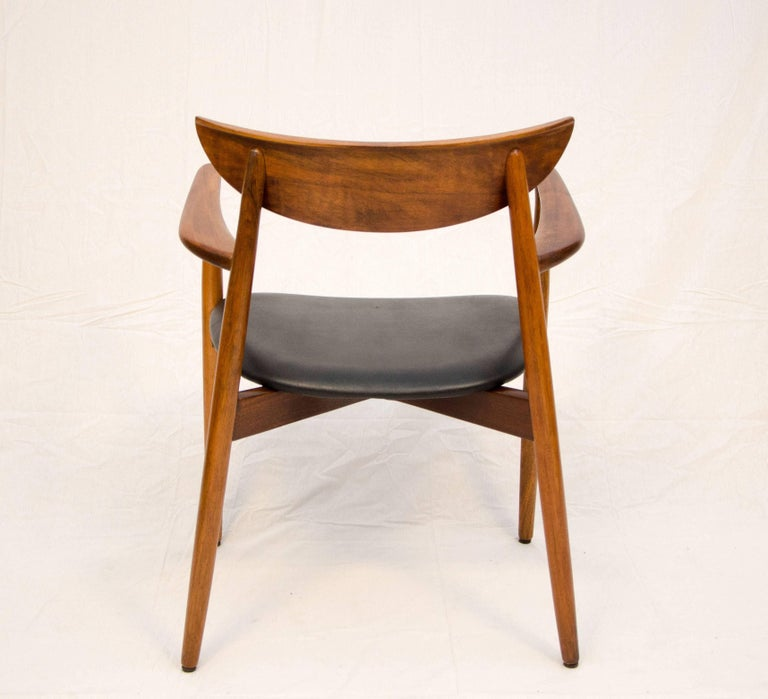 Set of Six Danish Walnut Dining Chairs, Harry Ostergaard, Moreddi For Sale 1