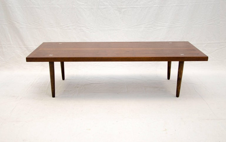 Nice Medium Size Mid Century Coffee Or Cocktail Table With The Iconic American Of Martinsville Aluminum