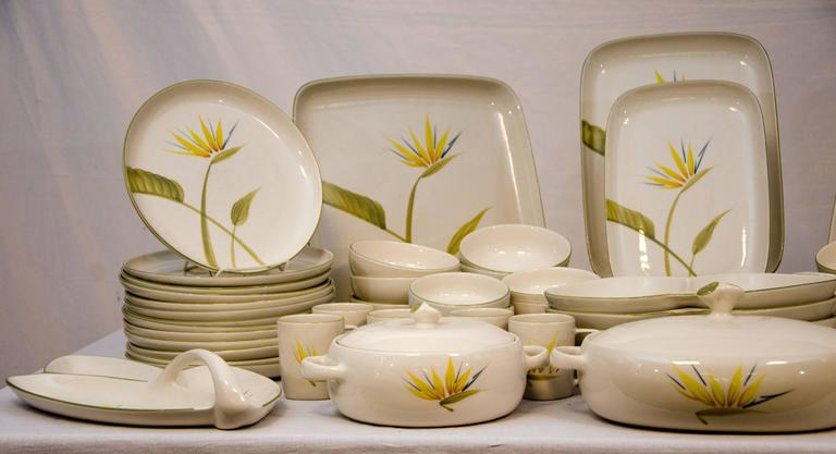 "20th Century Collection of California Dinnerware, Winfield ""Bird of Paradise"" Dinner Service For Sale"