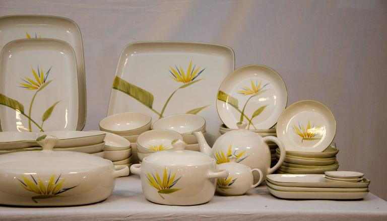 Collection of California Dinnerware, Winfield