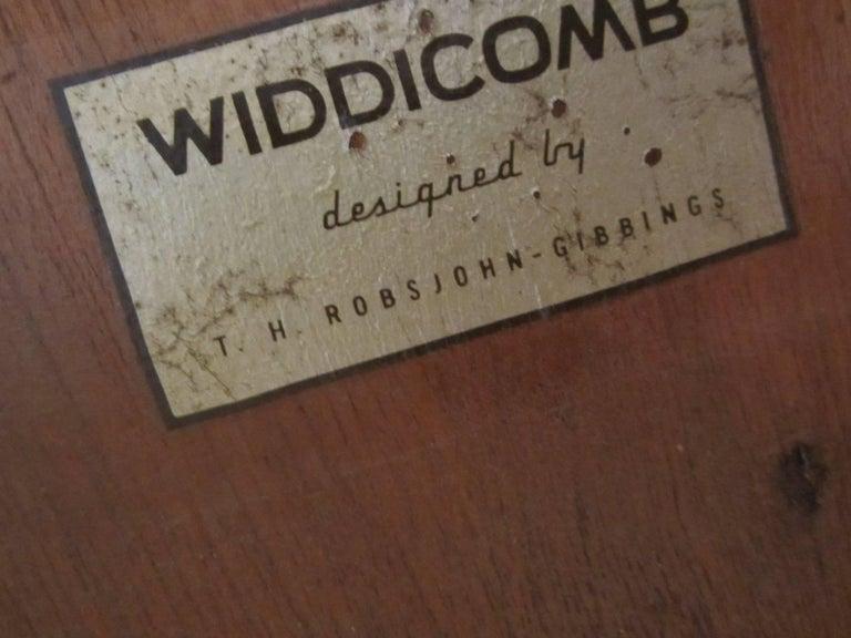 Gorgeous T.H. Robsjohn-Gibbings Walnut Extension Dining Table 5