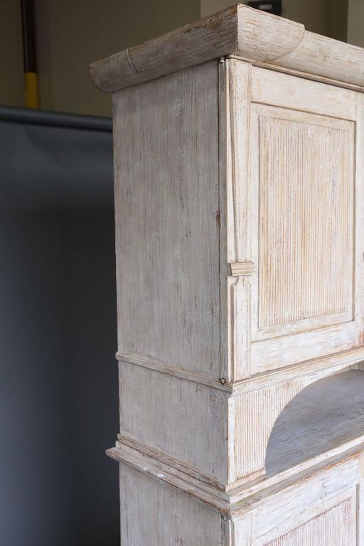 19th Century Swedish Painted Folk Art Cupboard For Sale 3