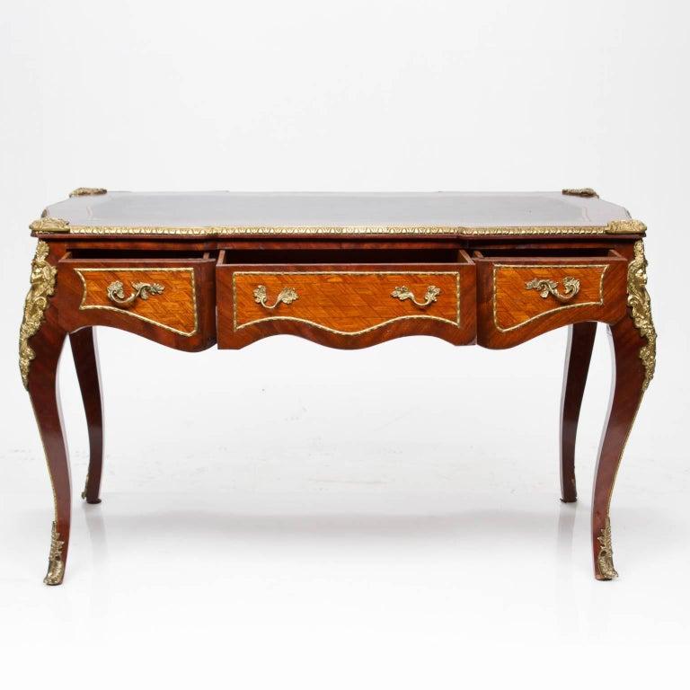 Vintage louis xv style bureau plat at 1stdibs - Bureau style vintage ...