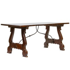 Early 19th Century Spanish Walnut Dining Table